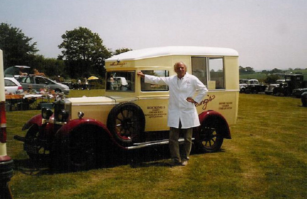 Geoffrey Hocking with old van 2006